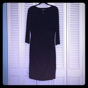 Black, Flattering V-neck 3/4 Sleeves